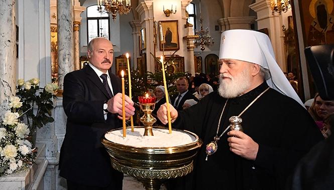 Президент в Свято-Духовом кафедральном соборе. Фото: president.gov.by