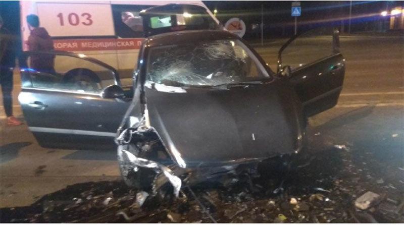 «Мерседес» и «Опель» лоб в лоб столкнулись в Минске – пострадали три человека