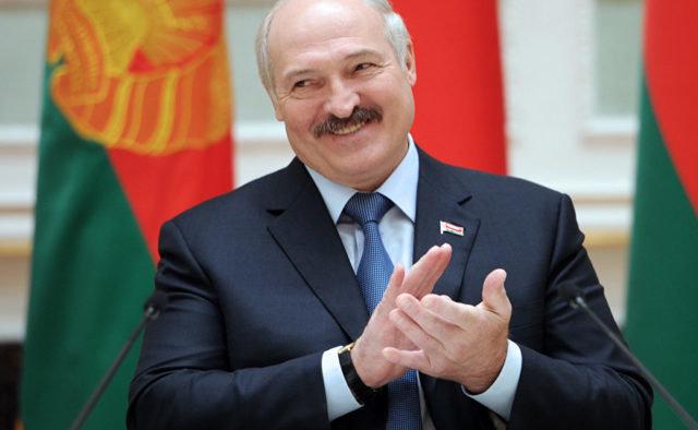 Лукашенко назвал главные черты белорусских женщин