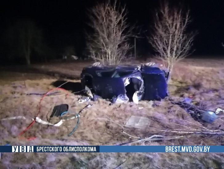 Пьяный водитель на Renault вылетел в кювет и перевернулся в Дрогичинском районе