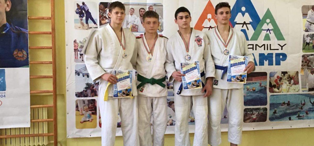 Барановичский юноша стал победителем республиканского турнира по дзюдо