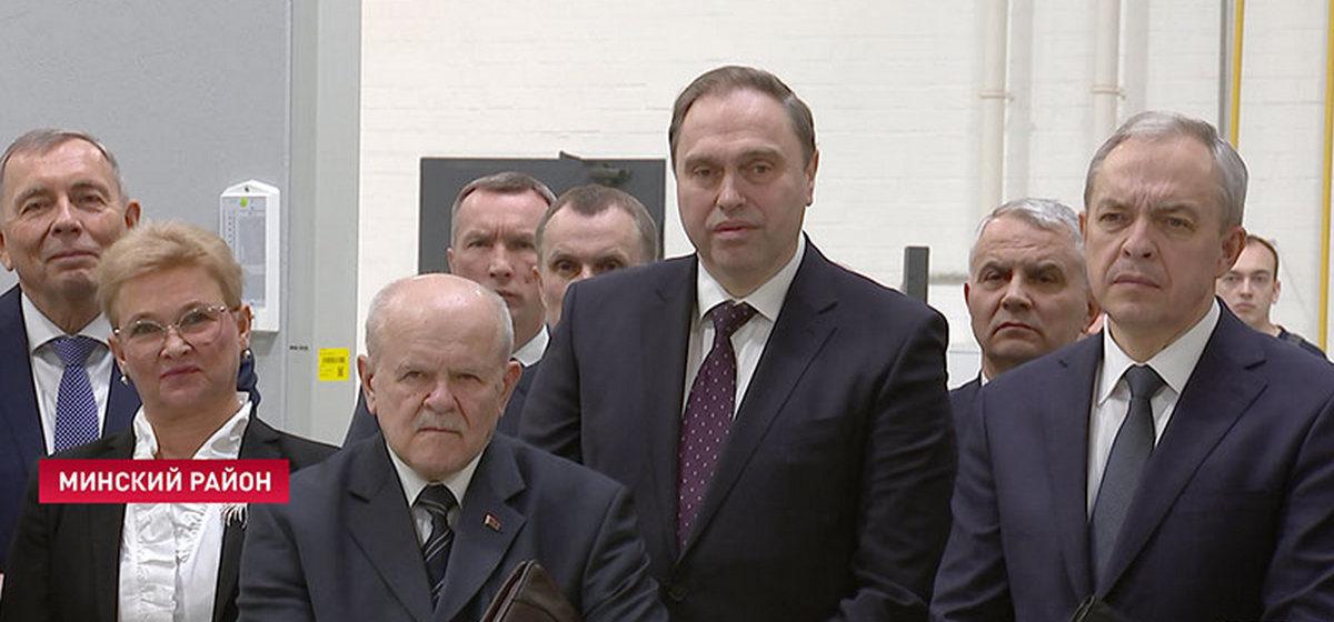 Лукашенко назвал идиотом мужчину, который приехал из Италии зараженный COVID-19 и контактировал с 340 людьми. Пришлось привлекать КГБ