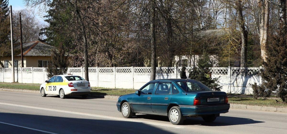 Автомобиль такси столкнулся с «Опелем» в Барановичах