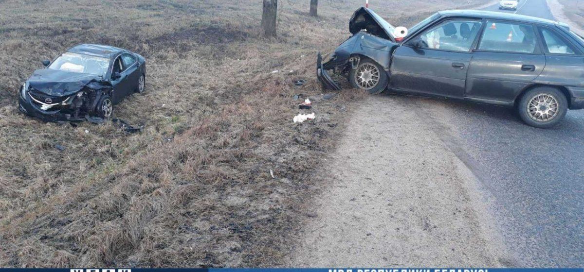 Страшная авария в Минской области: Opel лоб в лоб врезался в Mazda — пострадали пять человек. Фото