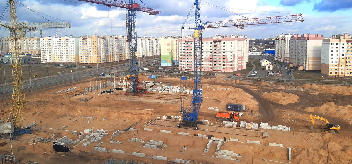 Строительство школы в Боровках. Фото: Елена ЗЕЛЕНКО