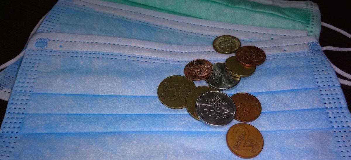 У жительницы Барановичей изъяли 40 медицинских масок, которые она незаконно продавала через интернет