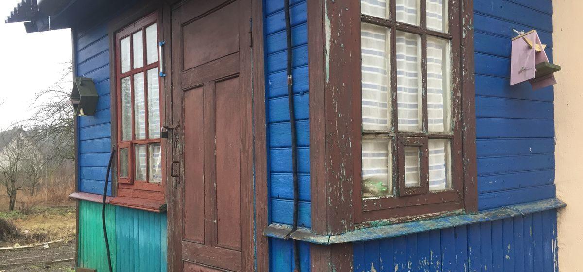 Лишили родительских прав супругов, чьи дети без тепла и еды двое суток ночевали одни в доме в Барановичском районе