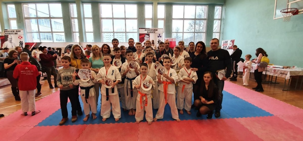 Барановичские школьники успешно выступили на турнире по каратэ