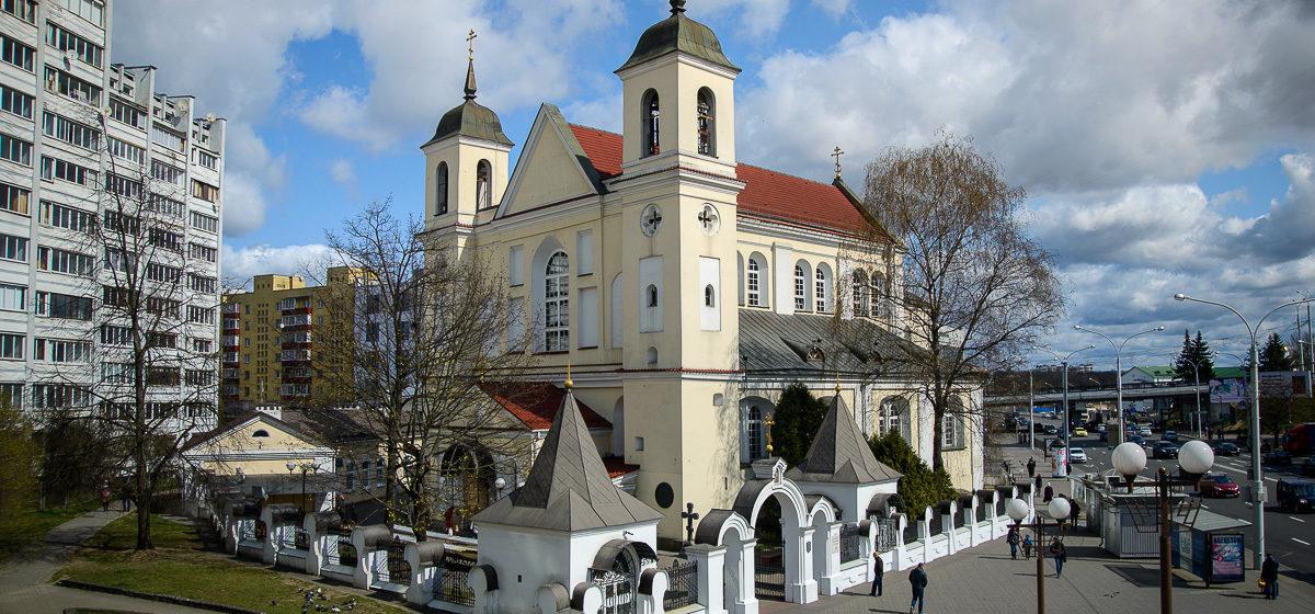 От коронавируса умер священник минского Петро-Павловского собора Геннадий Бутько