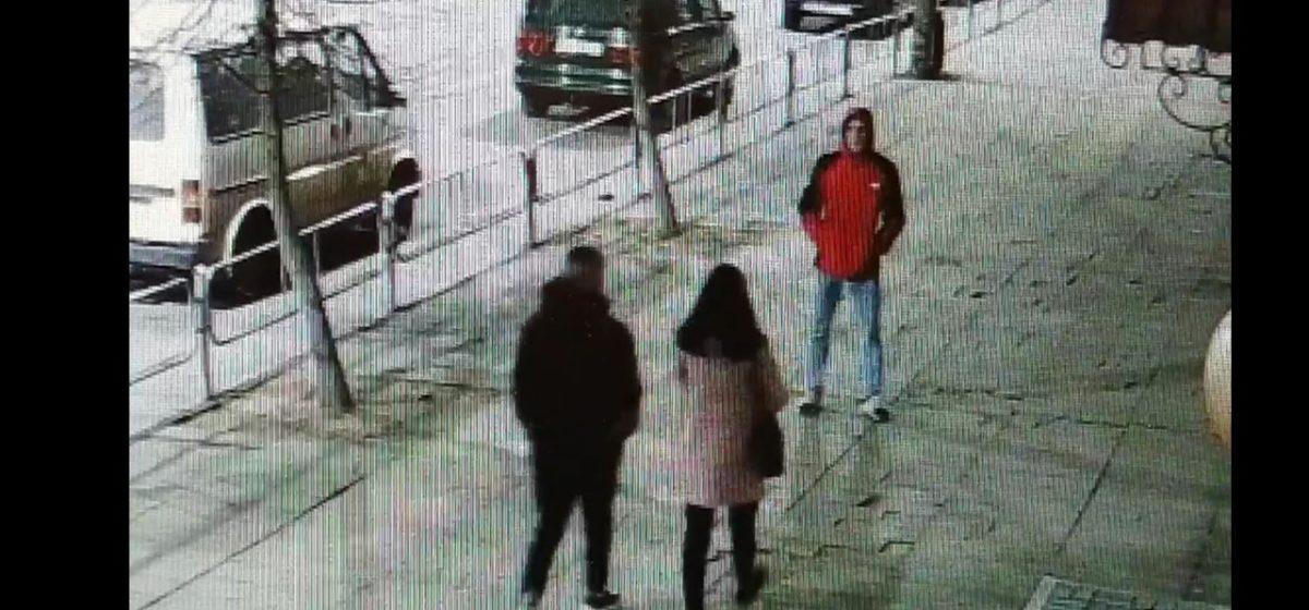 Барановичская милиция разыскивает подростка, повредившего чужой автомобиль