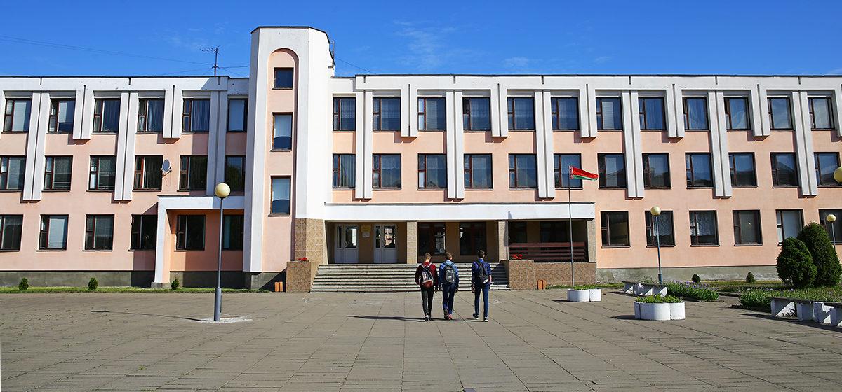 Министр образования: школы посещают в среднем 41% учащихся