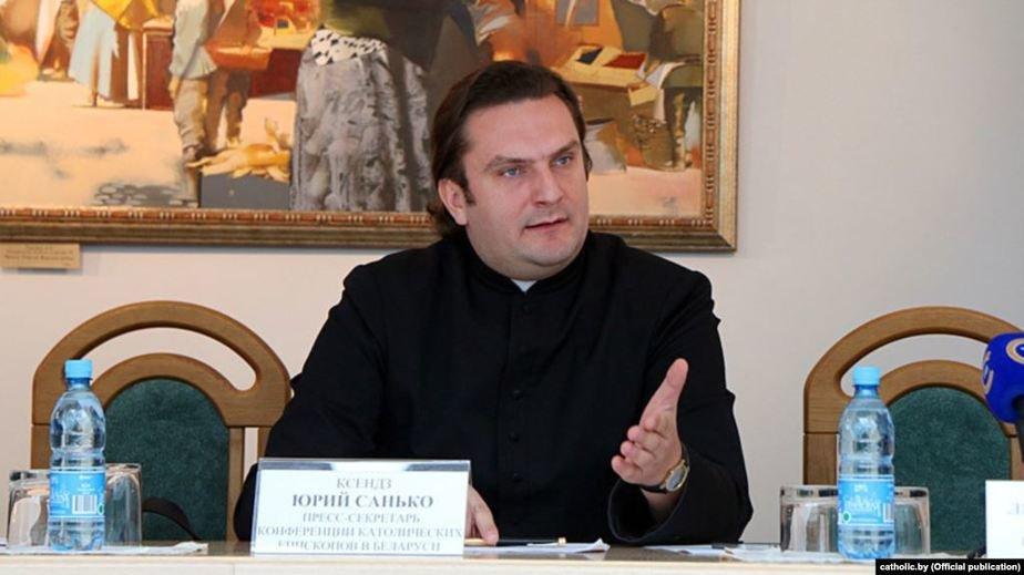 Не посещать храмы в период пандемии призывает Католическая Церковь в Беларуси. «Останьтесь сегодня дома все, чтобы потом всем прийти в костел!»