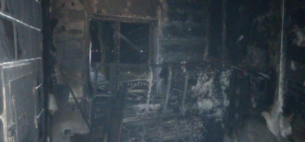 В Ляховичах горел жилой дом. Хозяин успел выбежать на улицу