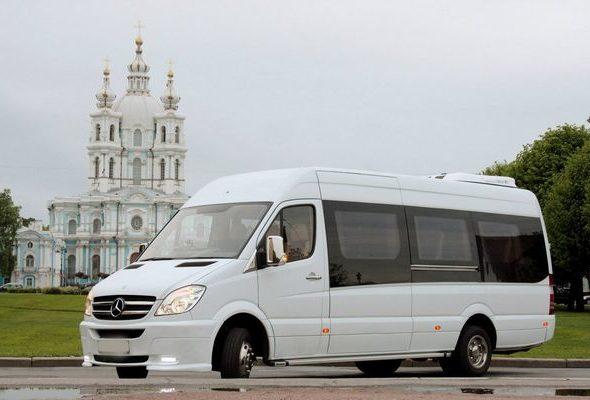 Преимущества аренды микроавтобуса с водителем