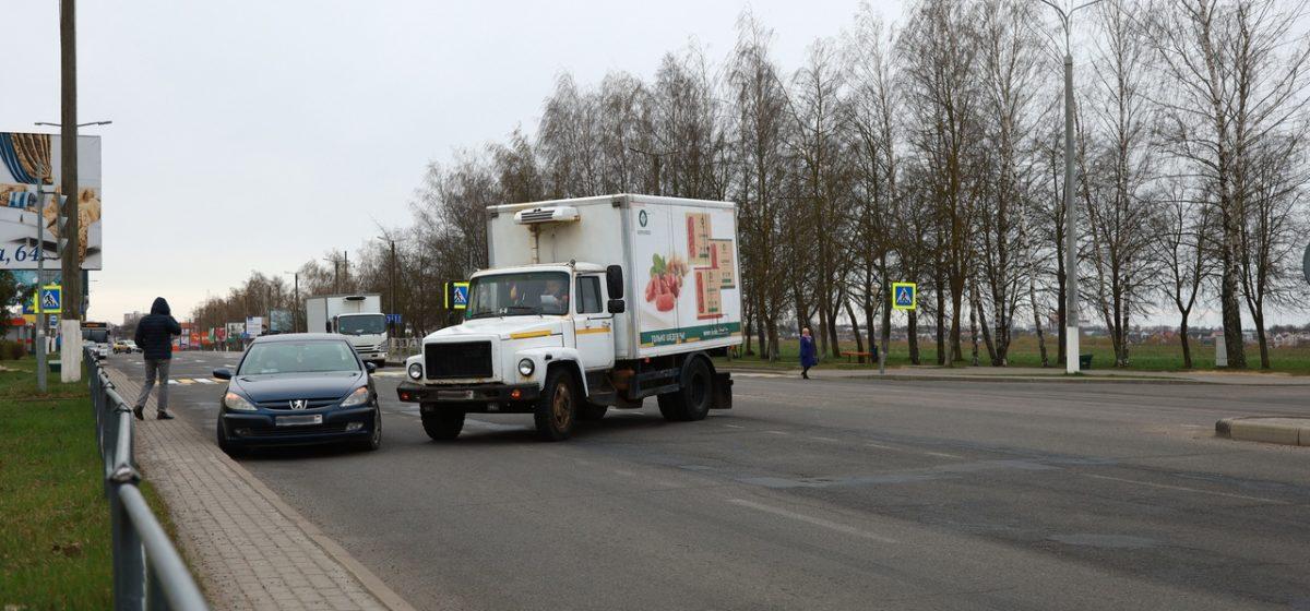 Грузовик и «Пежо» столкнулись в Барановичах