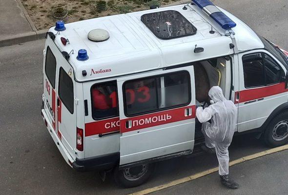 Более 100 человек с пневмонией ежедневно госпитализируют в Бресте. Власти просят ограничить контакты и не выезжать из города
