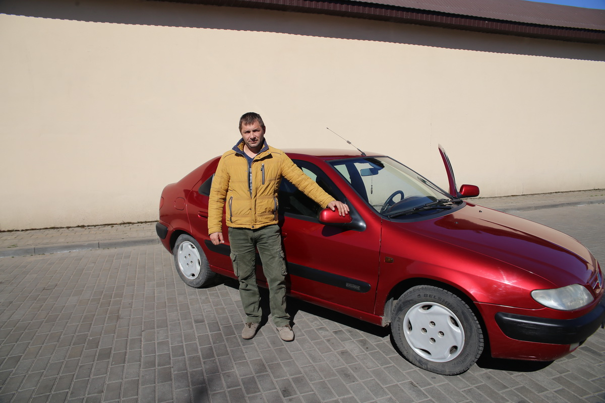 Дмитрий Татаринович –  владелец автомобиля Citroen Xsara. Фото: Андрей  БОЛКО