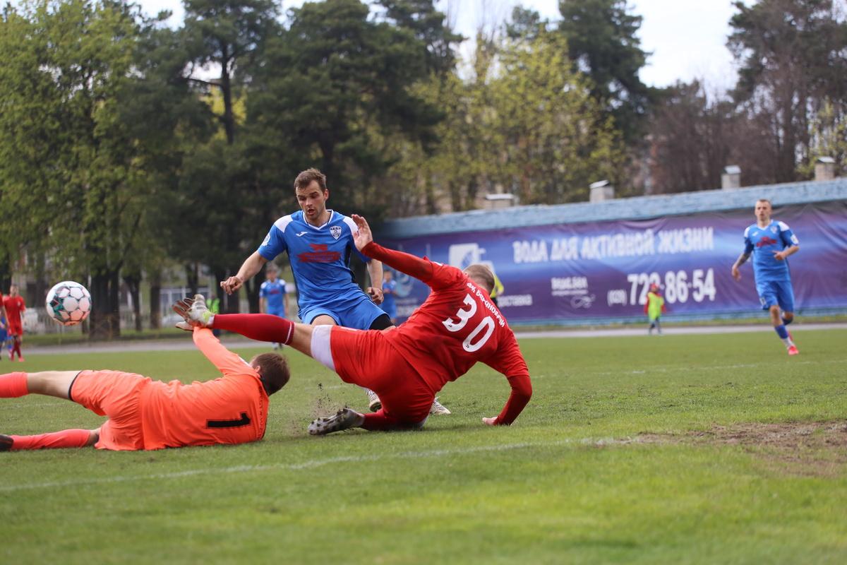 Кирилл Шрейтор весь матч терзал оборону гостей. Фото: Андрей БОЛКО