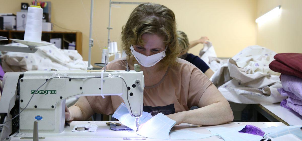 Частное предприятие в Барановичах набирает швей для запуска производства многоразовых повязок для лица*