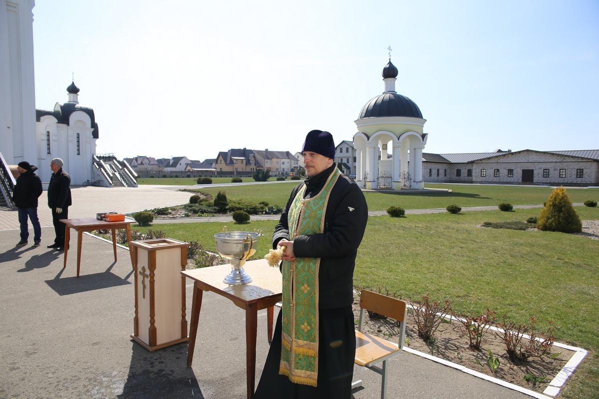 Священник Виталий Лозовский. Фото: Татьяна МАЛЕЖ