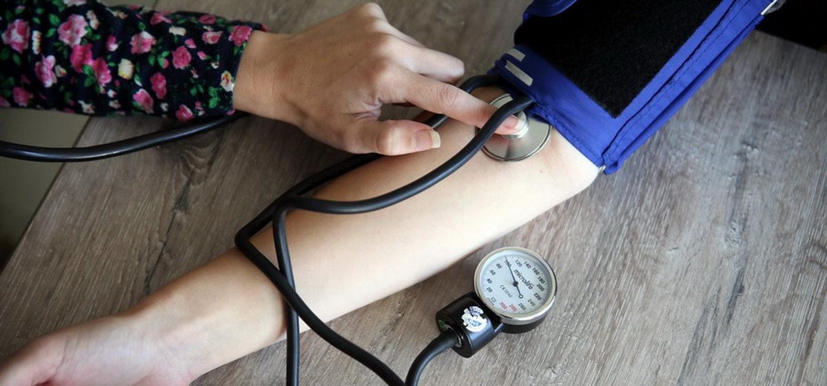 Гипертонический криз: врач рассказал, как правильно оказать первую помощь