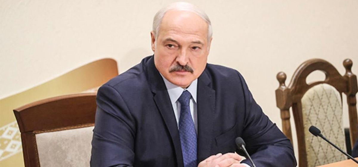 «Лукашенко сильно промахнулся». Как и почему менялась риторика президента о COVID-19