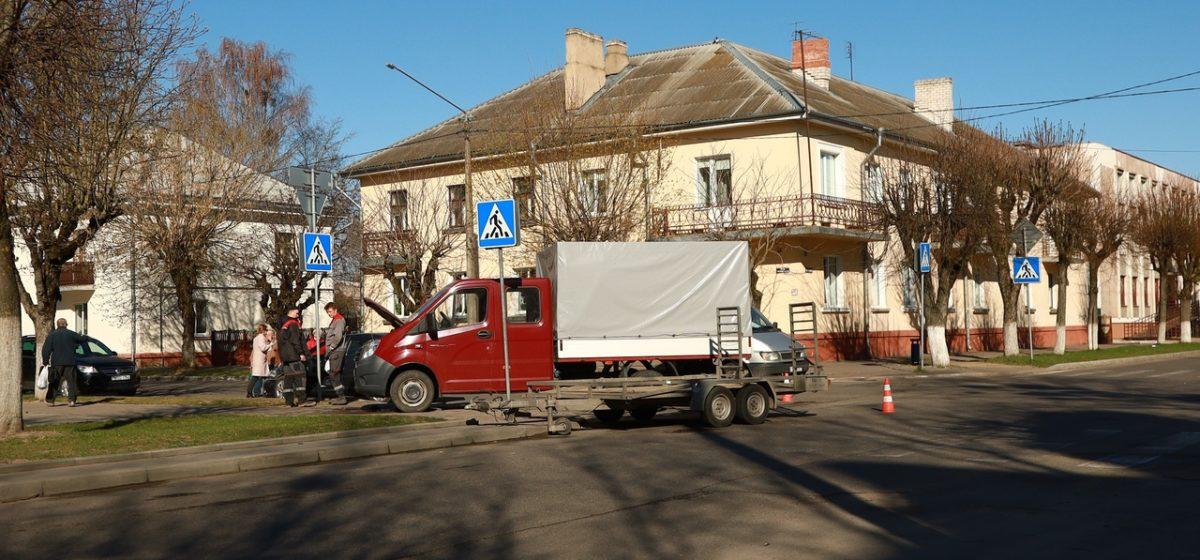 Новости. Главное за 14 апреля: сколько больных COVID-19 в Брестской области, и в Барановичах после столкновения со «Шкодой» «Газель» отбросило на тротуар