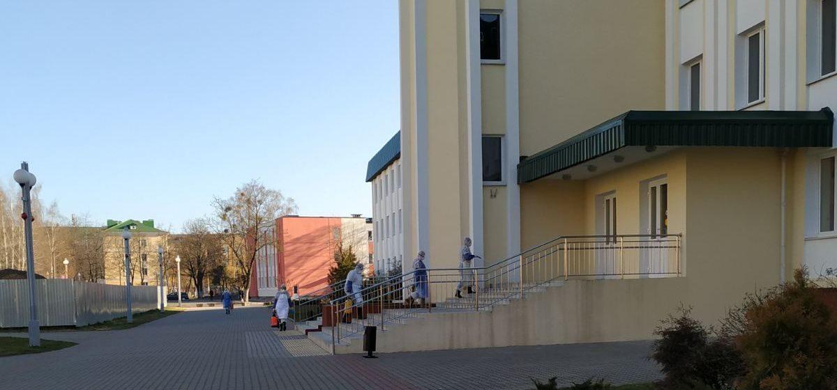 Что делали в барановичской гимназии люди в защитных костюмах