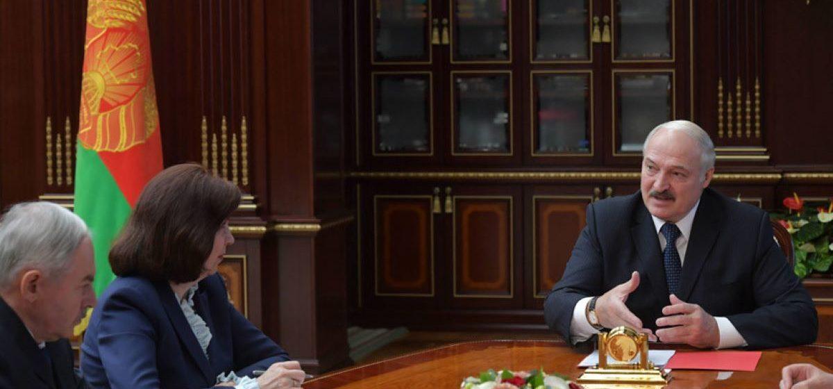 Лукашенко заявил, что в его поддержку за 4 дня уже собрали 200 тысяч подписей