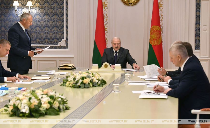 Лукашенко о пневмонии: «В Беларуси уже нет такого прироста, как было даже 2-3 недели назад»