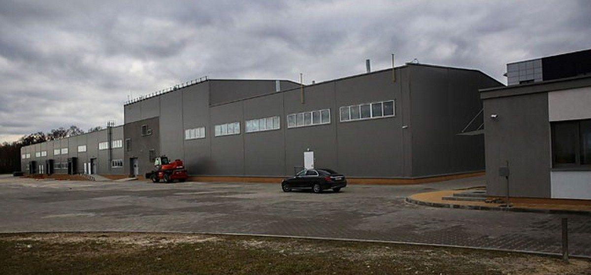У завода АКБ под Брестом сменился собственник. Один из владельцев — тренер команды президента