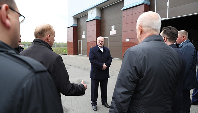 Лукашенко о критике решения провести парад: На обвинения надо реагировать вовремя и адекватно