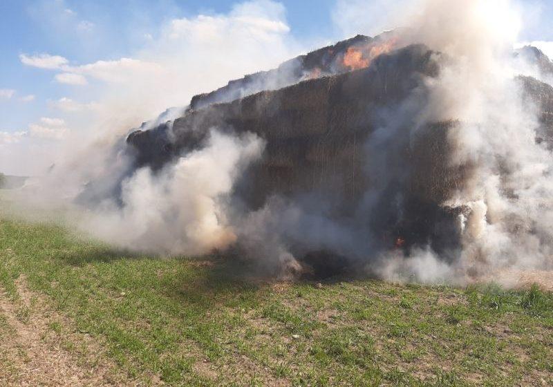 В Барановичах разыскивают свидетелей пожара, который уничтожил 150 тонн соломы