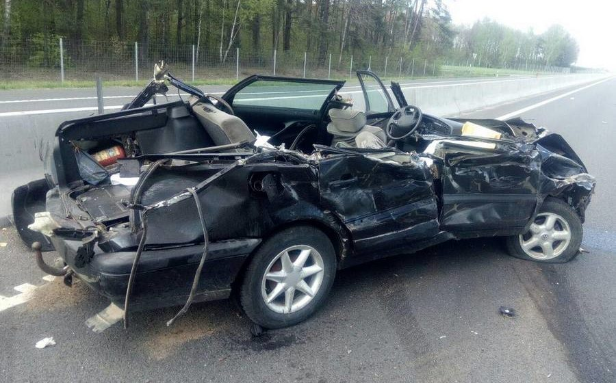 Легковушка влетела в грузовик на трассе М6 – погиб один человек