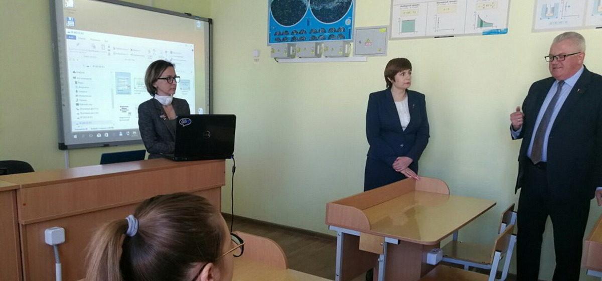 Министр образования Беларуси: «Всех, кого надо, мы аттестуем»