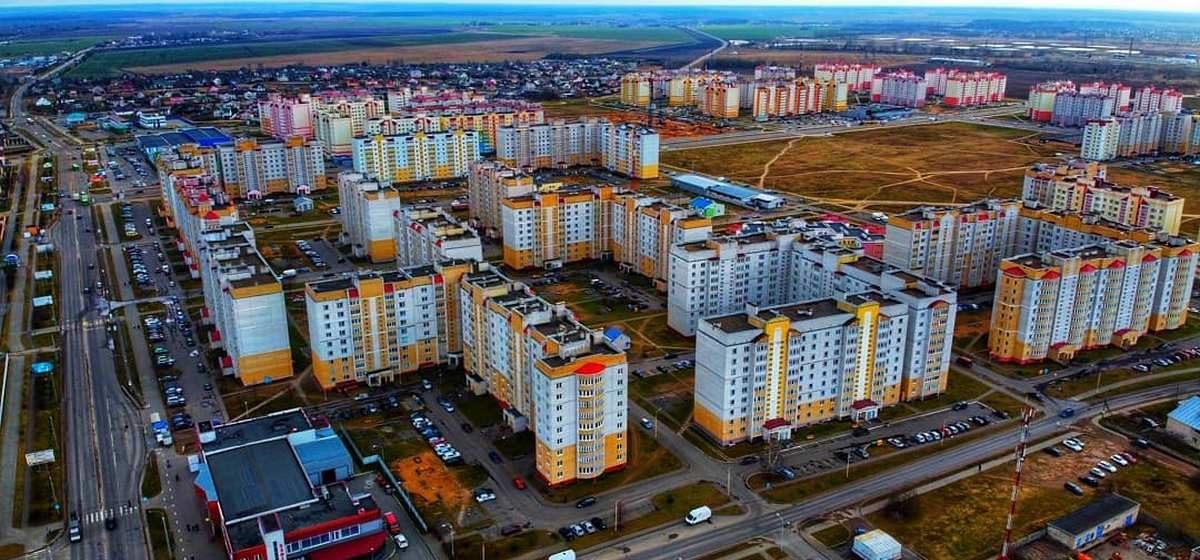 Резко сократилось строительство жилья, появились миллионные убытки. В экономике Барановичей что-то пошло не так