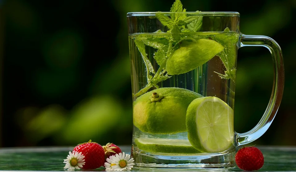 Что случится с организмом, если пить воду с лимоном натощак