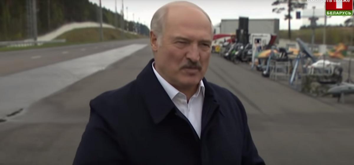 Лукашэнка: Калі ты мужык, пацярпі месяц, не лезь да другой жанчыны. ВІДЭА