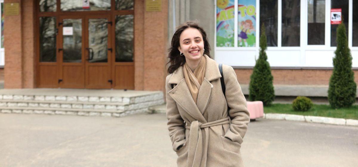 «Надеюсь, что ситуация с коронавирусом разрешится». Барановичская школьница рассказала о своей подготовке к ЦТ и университету