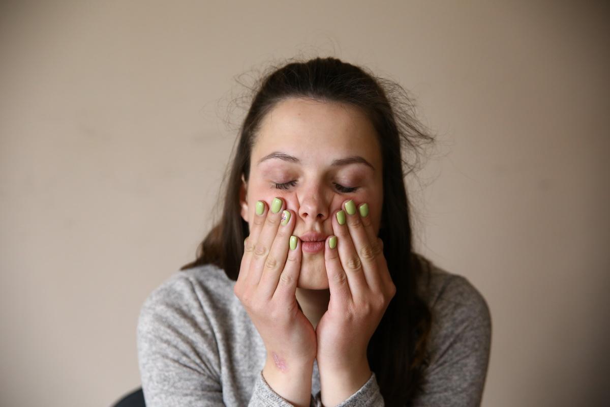 Самомассаж лица. Фото: Татьяна МАЛЕЖ