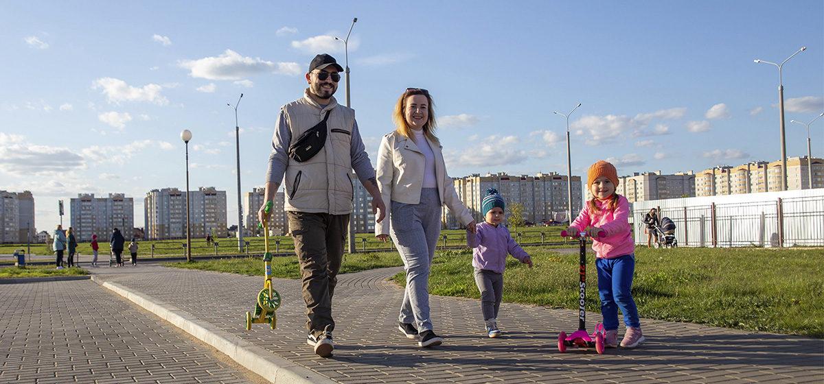 «Родители стремились стать серьезными. Мы же остаемся детьми». Мама-блогер – о семейных ценностях и своем блоге
