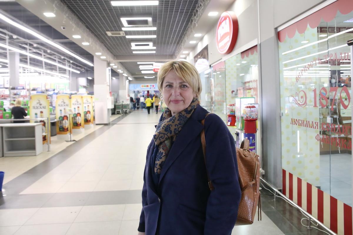 Жанна – одна из опрошенных, которая, ни минуты не раздумывая, сказала, кто такая Стефания Станюта. Фото: Андрей БОЛКО