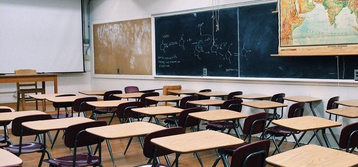 «Почему в XXI веке в Кодексе Беларуси об образовании нет дистанционного обучения?». Эксперты – о проблемах, проявившихся при COVID-19