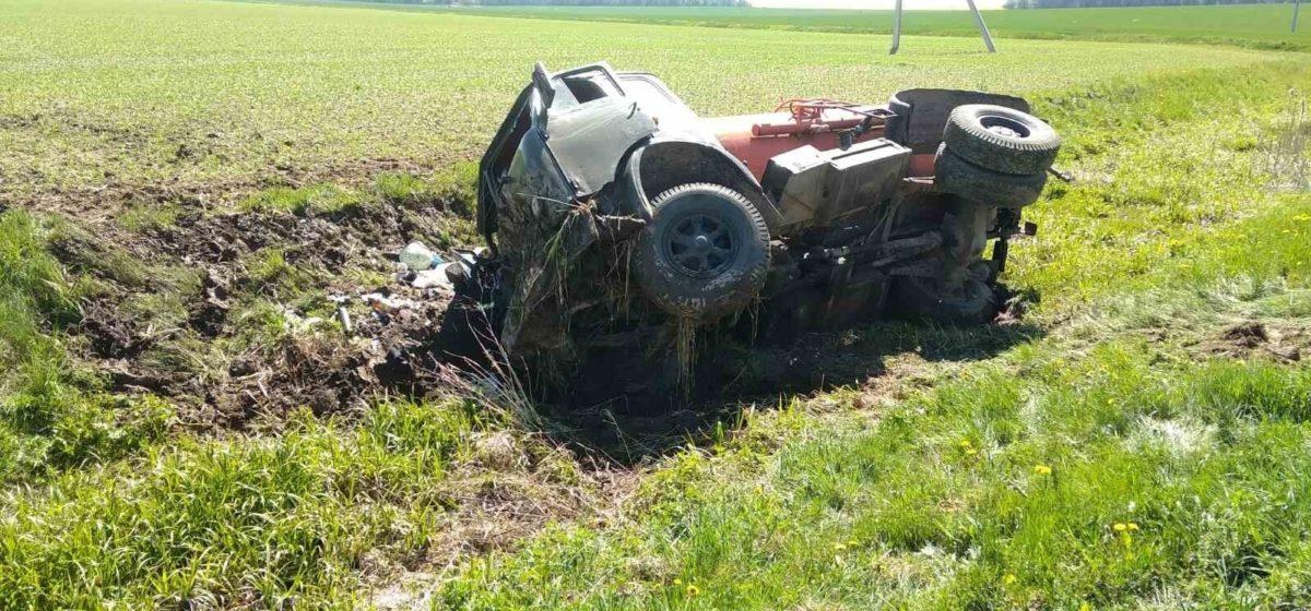 МАЗ вылетел в кювет и перевернулся в Гродненском районе – водитель вылетел через лобовое стекло