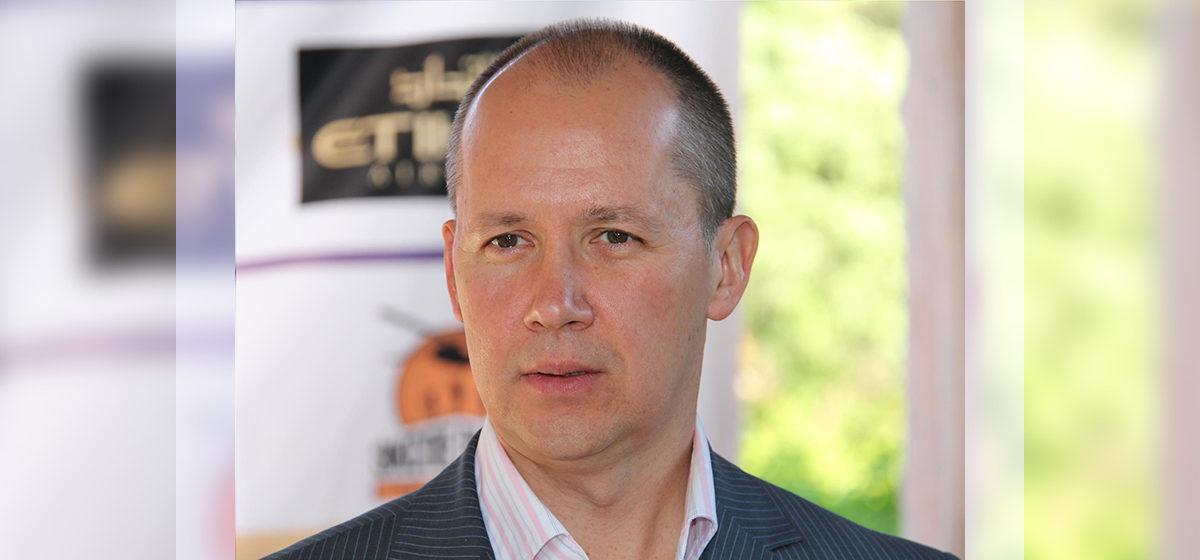 Валерий Цепкало едет в Барановичи*