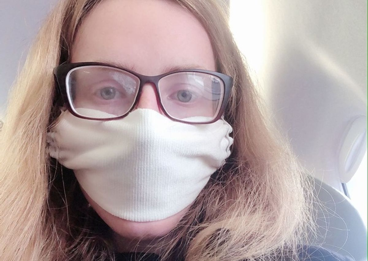В маске, которую я сшила сама накануне перелета. Фото: Мария КРУПЕНИНА