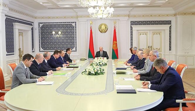 Лукашенко: Не нужно цепляться к людям по мелочам
