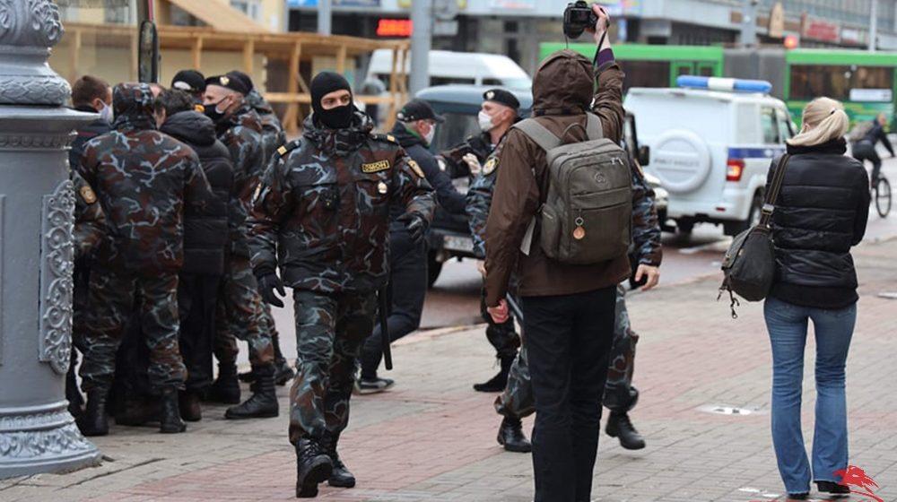 Сколько денег может потерять Беларусь из-за гонений на оппозицию?