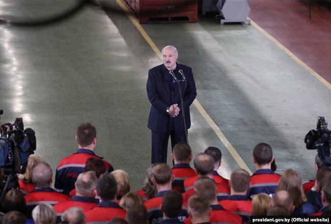 Александр Лукашенко на МТЗ. Фото: Пресс-служба президента