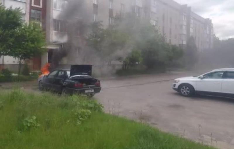 Легковой автомобиль горел в Барановичах